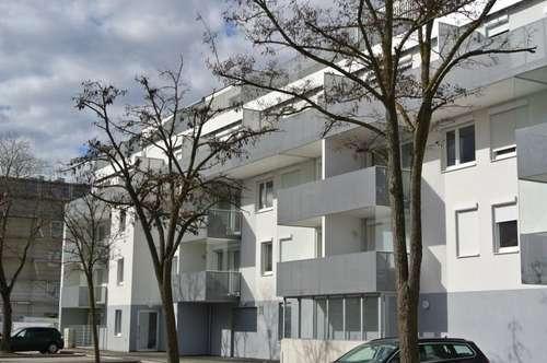 IM HERZEN der STADT- Tolle Wohnung mit großem Balkon nähe Akademiepark und Wasserturm. WG geeignet! Nähe Zentrum. Der Charakter der Umgebung wird Sie fesseln.