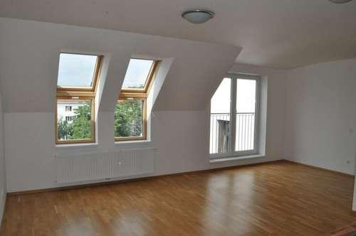 Möblierte Küche! ab sofort verfügbar! U4 nahe! DG Ausbau! 3-Zimmer + Terrasse!