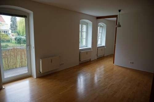 2-Zi Wohnung im Grünen am Römerberg mit Balkon