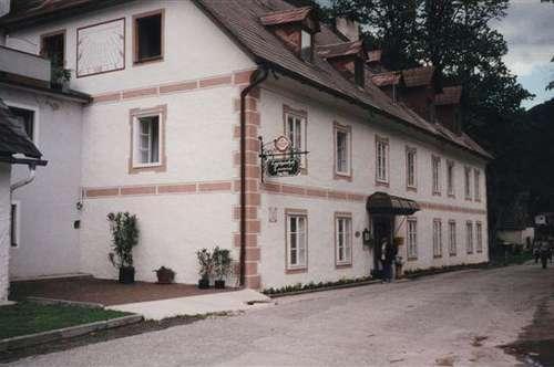 Historischer Landgasthof - großzügiger Sommersitz!