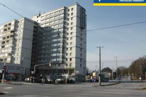 Gesamte Hochhaus-Etage mit 8 Wohnungen als Anlageobjekt