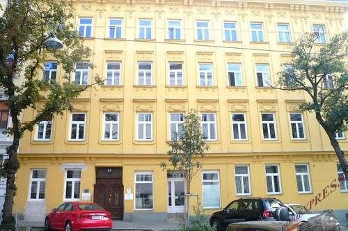 Ruhig gelegene 6 Zimmerwohnung, Büro, Lager150m² (Souterrain).