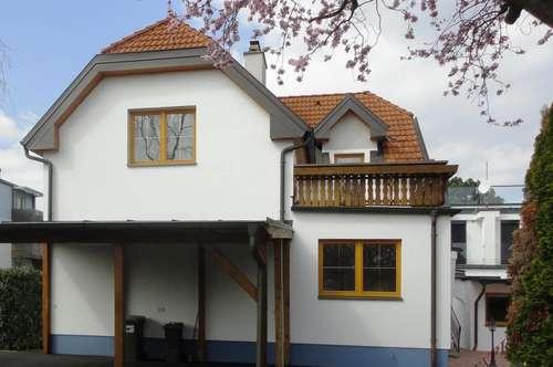 Einfamilienhaus, ruhig gelegen mit Garten und Carport – nahe Stadtgrenze Wien!