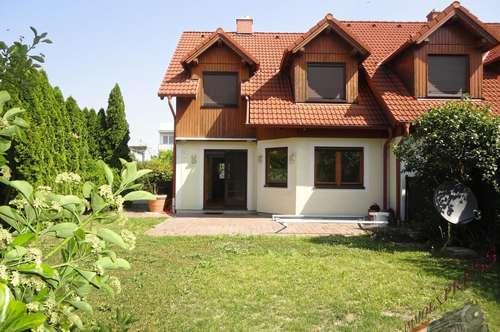 Familienhit! Doppelhaushälfte 112m², mit kleinem Garten und ruhiger Siedlungslage – Bahnhofsnähe!