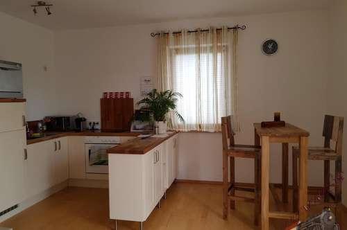 Ruhige 2 - Zimmerwohnung mit 20 m² großer Terrasse - 2485 Wimpassing !