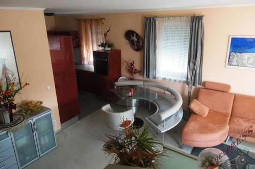 Tolle Maisonettewohnung-ideal für ein Paar! mit großer Terrasse und Garagenplatz