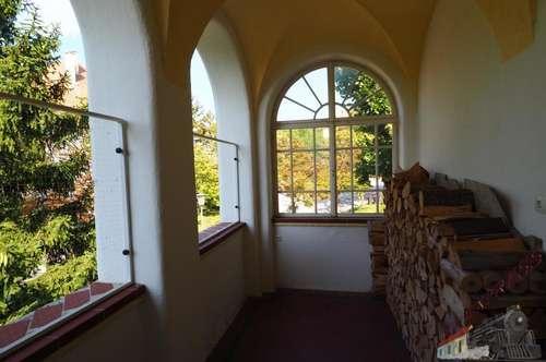 Wöllersdorf Traumhafte 2-3 Zimmer Altbau Wohnung in Villen Lage