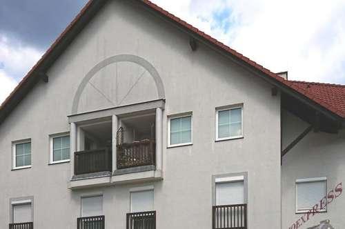 Super Verkehrsanbindung-3 Zimmer-Wohnung mit Loggia wartet auf Sie!-Neuer Preis