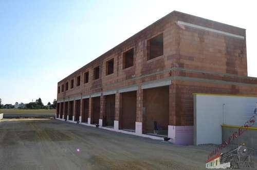 Sehr gut gelegene Garagen mit großem Einfahrtstor 3 m x 3 m