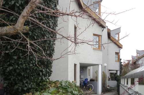 Reihenhaus mit kleinem Garten und Garage – Bahnhofsnähe!