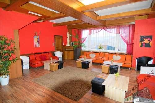 Nachtclub mit Bar - 7 Zimmer