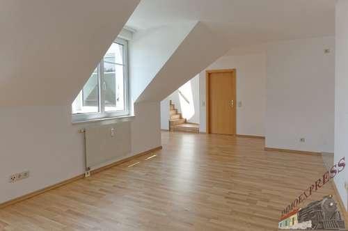 3-Zimmer-DG auf zwei Ebenen mit sonnigem Balkon - Nahe Schloßpark Hetzendorf