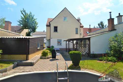 Ein-/Zweifamilienhaus - Pool - Garage - zentrale Lage
