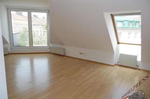 1140 Wien, sonnige Dachterrassenwohnung zentrale 2 Zimmer Topküche schöne Aussicht , beste Lage