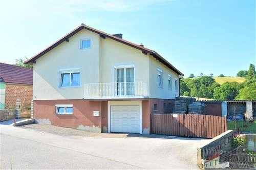 Einfamilienhaus - 2 Eingänge - Garage
