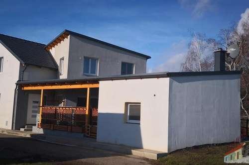 Neuwertiges Einfamilienhaus in ruhiger Ortsrandlage