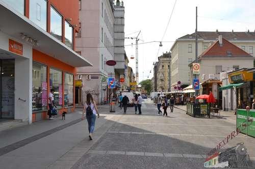 Viktoradlermarkt Doppelmarktstand mit Investablöse im Marktinnenbereich