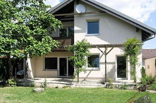 Tolles Mietobjekt: Einfamilienhaus in ruhiger Siedlungslage mit Garten, 7 Zimmern auf 2 Etagen, Kellerstüberl und Sauna.