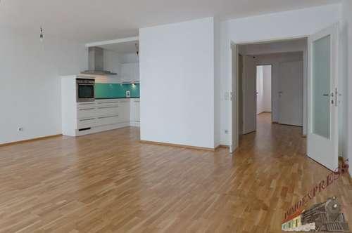 3-Zimmer-Wohnung mit Loggia und Garagenplatz - Nahe Hoßplatz
