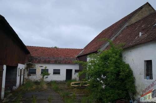 Desolater Bauernhof in gemütlicher Ortschaft Nähe Geras