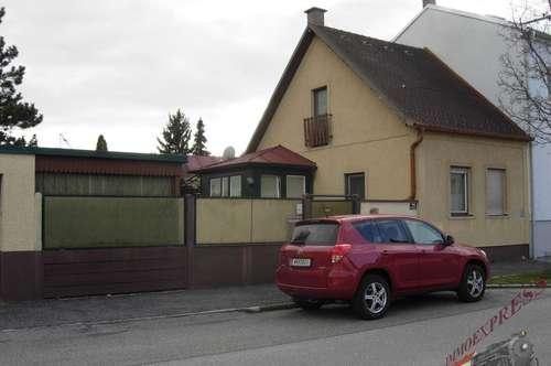 Grundstück mit älteren Haus in 2700 Wiener Neustadt