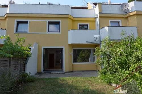 Reihenhaus auf 3 Wohnebenen mit Garten, Terrasse und Balkon