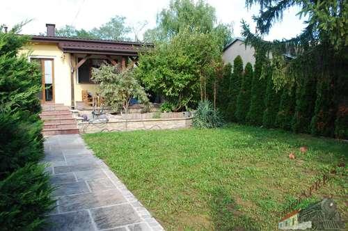Bungalow mit schönem Garten