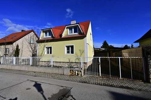 Bad Fischau! Älteres, renovierungsbedürftiges Wohnhaus