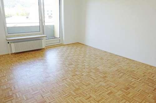 Schöne renovierte 3-Zimmer Wohnung