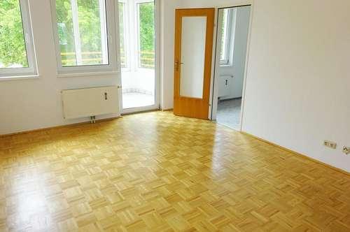 Schöne 3-Zimmer-Wohnung mit sonniger Loggia und Tiefgarage