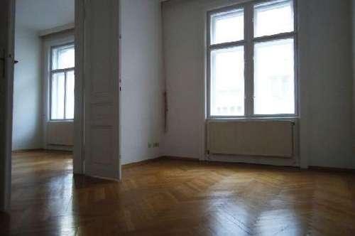 4, Kleine Neugasse, 78m² zwei Zimmer + Kabinett, unbefristet