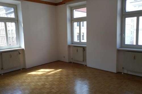 12. Bez., Fockygasse, 92m² groß, 3 getrennt begehbare Zimmer, Familien- oder WG-geeignet