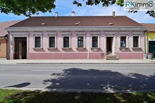Rarität im Weinviertel Original erhaltener Bauernhof im wunderschönen Kurort Bad-Pirawarth