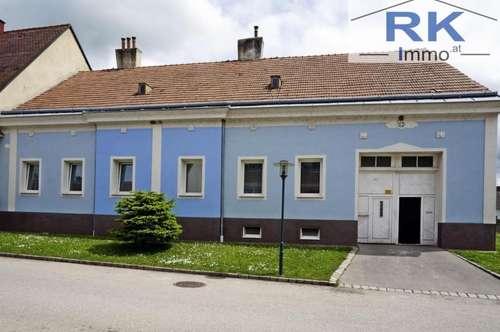 Bezirk Gänserndorf Mannersdorf an der March Mehrfamilienhaus mit Garage und Innenhof
