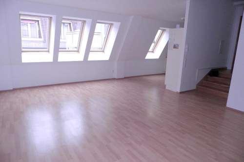 Moderne Dachgeschoss-Whg.+Terrasse-BIT Immobilien