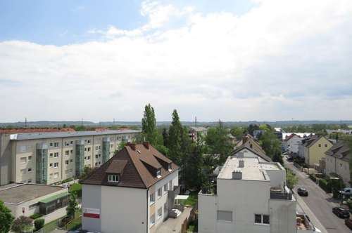 Großzügige 5 Zimmerwohnung inkl. Balkon und Garage
