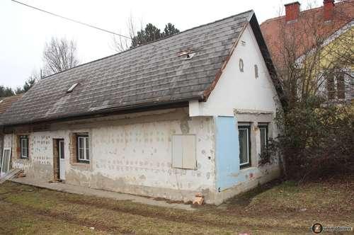 Renovierungsbedürftiges, kleines Einfamilienhaus