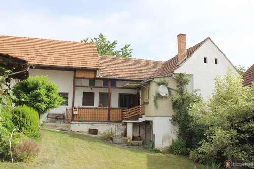 Oberschützen: Zwei Wohnhäuser mit Nebengebäude in Zentrumsnähe