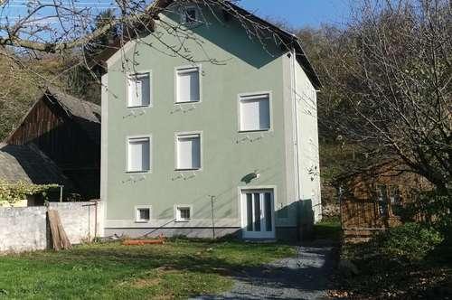 Am Fuße des Geschriebensteins: Großes Haus in Ruhelage!