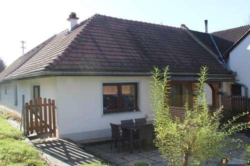 Golf- und Thermengemeinde Stegersbach: Landhaus mit Waldgrundstück in Ruhelage