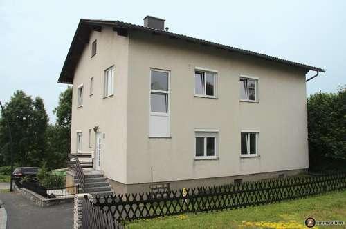Neu saniertes Zweifamilienhaus in guter Lage - in Fertigstellung
