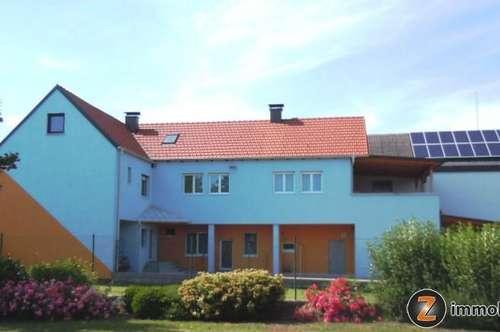 Nähe S31: Sofort beziehbares Zweifamilienhaus