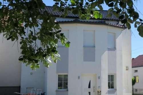 Nähe Oberpullendorf: Modernes Wohlfühlhaus mit Komfort