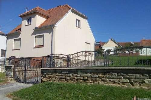 Einfamilienhaus in der Weinidylle Eisenberg!