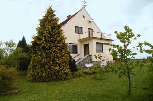 Einfamilienhaus mit Obstgarten und Garage - Weinregion Eberau