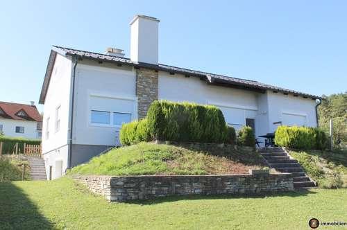 Neuwertiges Einfamilienhaus in sehr schöner Aussichtslage