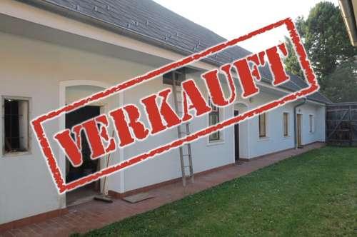 ERFOLGREICH VERMITTELT - Gepflegtes Landhaus mit vielen Nebengebäuden