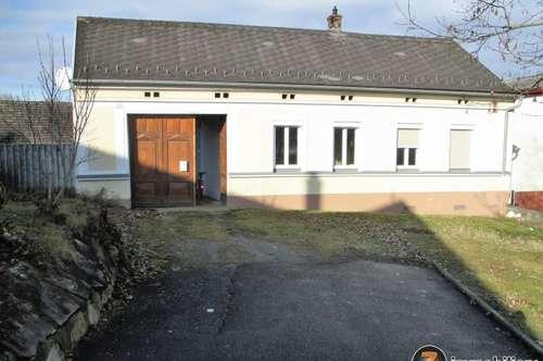Bauernhaus mit Nebengebäude im Golf-Thermenort Stegersbach