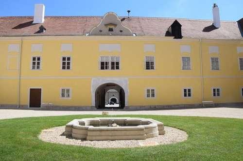 Herrschaftlich Wohnen im Schloss Rohrau