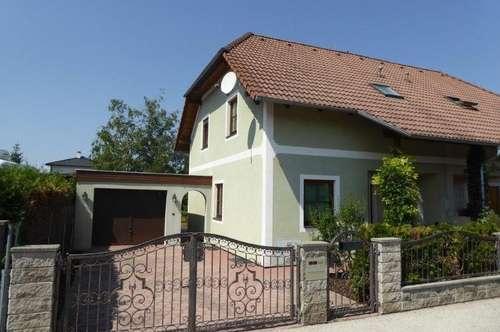 Schöne, gepflegte Doppelhaushälfte mit Garage in ruhiger Ortsrandlage in 2700 Wiener Neustadt